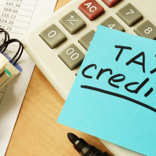 Tax credits sticky note