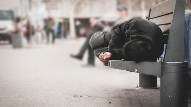 HMRC Rebuked for Fining Homeless Man for Late Filing of Tax Returns